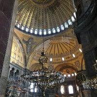 Das Foto wurde bei Ayasofya Müzesi Padişah Türbeleri von Ela A. am 3/13/2013 aufgenommen