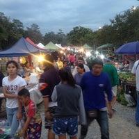 Foto tomada en กาดนัดหนองฮ่อ por P S. el 12/6/2015