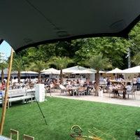 6/8/2014 tarihinde Dries V.ziyaretçi tarafından La Terrasse de l'Hippodrome'de çekilen fotoğraf