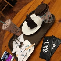 Photo taken at Caribou Coffee by Rashid on 11/13/2016
