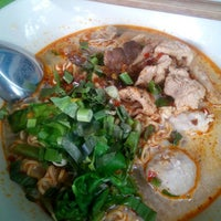 Photo taken at ร้านอาหารตามสั่งโกฮับ by Usu R. on 6/24/2015