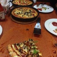 Photo taken at Pizza Hut by pokjis on 11/28/2016