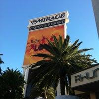 Foto tomada en The Mirage Hotel & Casino por Sarina el 10/28/2012