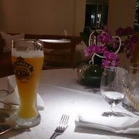 รูปภาพถ่ายที่ Restaurant Karlshöhe โดย ryan d. เมื่อ 10/12/2014