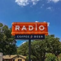 Das Foto wurde bei Radio Coffee & Beer von Jeremy W. am 7/14/2016 aufgenommen
