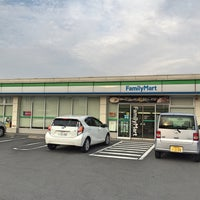Photo taken at FamilyMart by 龍 on 5/24/2016