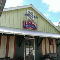 Photo taken at Tin Top Restaurant & Oyster Bar by Zach R. on 4/20/2014