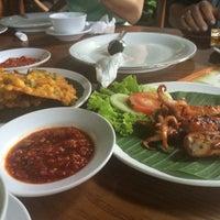 Photo taken at Saung Edi by Hendrik S. on 1/29/2015