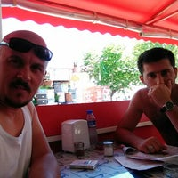 Photo taken at Meshur izmir Kumrucusu by Fahrettin Ş. on 8/13/2014