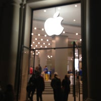Photo taken at Apple Passeig de Gràcia by Andrew D. on 3/9/2013