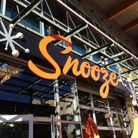 รูปภาพถ่ายที่ Snooze โดย Chris S. เมื่อ 12/31/2012
