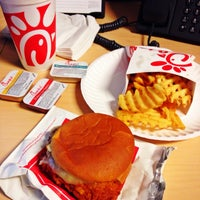 Photo taken at Chick-fil-A Maitland Boulevard by Angela on 9/19/2013