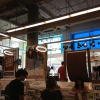 Photo taken at Old Navy by Ivan Z. on 7/15/2013