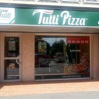 Photo taken at Tutti Pizza Saint Jean by Tutti Pizza on 8/18/2014