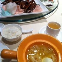 Photo taken at 阿一鲍鱼 Ah Yat Abalone Restaurant by yvonne s. on 11/20/2012