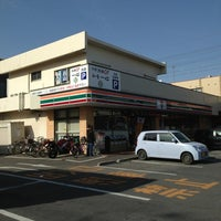 Photo taken at 7-Eleven by ミロ パ. on 1/21/2013