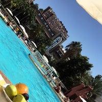 Photo prise au Hanedan Palace Hotel par Büşra Y. le8/17/2017