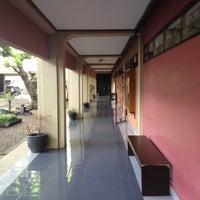 Photo taken at Fakultas Ekonomi dan Bisnis by Ari T. on 12/15/2016