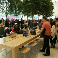 Photo taken at Apple Store by Miguel P. on 9/22/2015