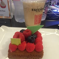 Photo taken at Fauchon by Seven P. on 12/20/2015