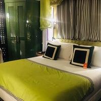 Das Foto wurde bei Hotel Room Mate Anna von Foni L. am 10/8/2018 aufgenommen