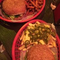 Das Foto wurde bei Burgers Berlin von Philipp J. am 8/30/2014 aufgenommen