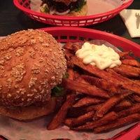 Das Foto wurde bei Burgers Berlin von Philipp J. am 9/13/2014 aufgenommen