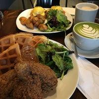 Foto diambil di Alchemy Coffee oleh Maddi C. pada 1/15/2017