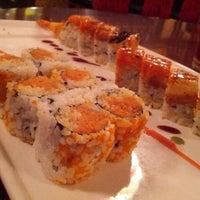 Photo taken at Domo Japanese Restaurant & Sushi Bar by Leo H. on 6/11/2013