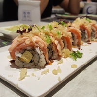 Photo taken at Itacho Sushi 板长寿司 by Xiao Ping n. on 3/23/2017