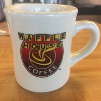 Photo taken at Waffle House by Reggie T. on 11/14/2017