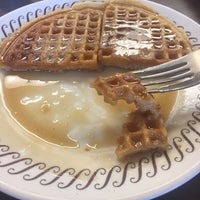 Photo taken at Waffle House by Reggie T. on 12/30/2017