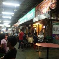 Photo taken at Kedai Makanan & Minuman SS2 by Lei chai on 11/23/2012