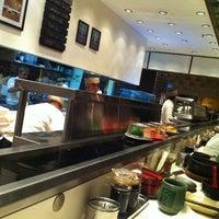 Foto tirada no(a) Sushi Tei por Arto S. em 10/19/2012