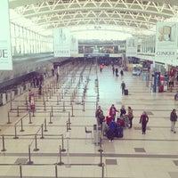 Foto tomada en Aeropuerto Internacional de Ezeiza - Ministro Pistarini (EZE) por Raphael R. el 6/6/2013
