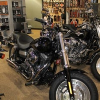 Mike's Harley-Davidson - Downtown Boston - 152 visitors