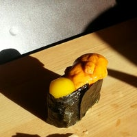 Foto tomada en Tanoshi Sushi por taejin i. el 6/13/2013