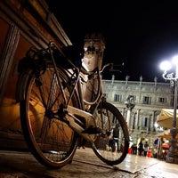 Foto scattata a Piazza delle Erbe da Piazza delle Erbe il 8/12/2014