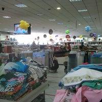 Foto tirada no(a) Lojas Kacyumara - Matriz por Renato H. em 11/3/2012