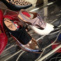Foto scattata a John Fluevog Shoes da chesty b. il 5/29/2013