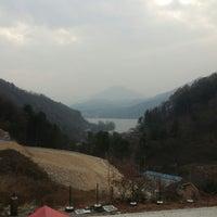 Photo taken at 상수리나무 by Ricky B. on 11/21/2014