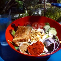 Photo taken at Cafe 976 by Diana V. on 4/8/2015