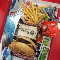 Photo taken at Pirates Burger by Cristianr A. on 4/16/2018