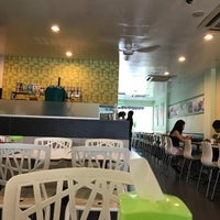 Photo taken at Face to Face Noodle House by Chea on 8/26/2017