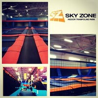 Photo taken at Sky Zone Indoor Trampoline Park by JhyPhoenix on 9/15/2012