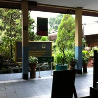 Photo taken at SMA Negeri 1 Balikpapan by Donatello on 10/17/2012