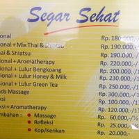 Photo taken at Segar-Sehat Traditional Massage & Reflexiology by Donatello on 12/24/2016