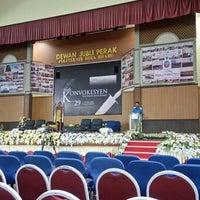 3/9/2016에 Akmal R.님이 Dewan Jubli Perak Politeknik Kota Bharu에서 찍은 사진