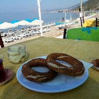 Photo taken at Pınar Cafe & Beach &Nargile by Selin B. on 6/29/2017