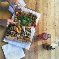 6/24/2017 tarihinde Floraziyaretçi tarafından Pazzi X Pizza'de çekilen fotoğraf